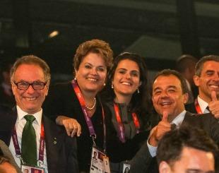 Dilma com a filha e o governador do Rio, Sérgio Cabral, e o presidente do Comitê Olímpico Brasileiro, Carlos Arthur Nuzman - Foto: Roberto Stuckert Filho