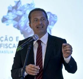 Para os senadores do PT, Eduardo Campos operou nas eleições como quem tem um projeto nacional independente