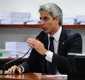 Rede vai levar essa luta até onde for necessário, até que seja vencida', diz Molon sobre cassação de Cunha