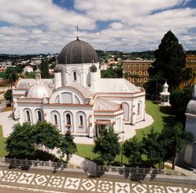 Isenção de impostos concedida à igreja católica seria estendida a evangélicos e outras religiões