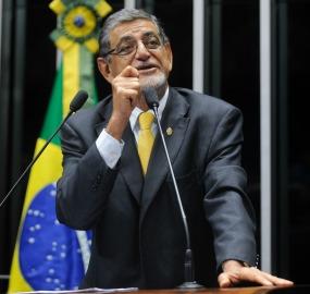"""Com R$ 71 mil de assessores, Mário Couto não se reelegeu. """"Foi por gratidão"""", diz funcionária ao justificar doação"""