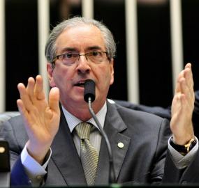 Após solicitação de Eduardo Cunha, Mesa Diretora desarquivou os projetos