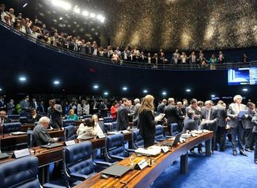 Senado aprova MP que eleva a 35% limite de empréstimo consignado