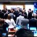Encerramento da sessão levou ao confronto entre deputados