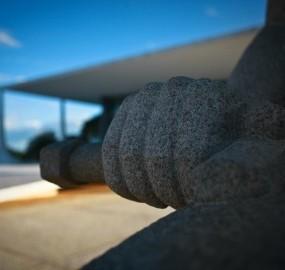 Detalhe da Estátua da Justiça, erguida em frente ao STF, a poucos metros do Congresso