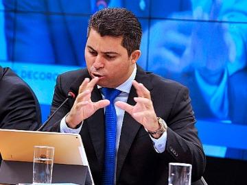 Relator Marcos Rogério apresentou parecer pela cassação de Cunha