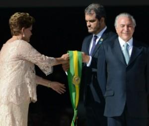 Senado afasta presidente Dilma. Temer assume hoje
