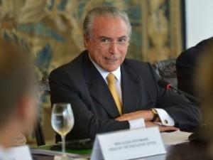 Temer tem recebido senadores no Planalto para evitar mudança de votos