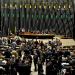 Votação se estendeu até início da madrugada desta quarta (15), mas acordo abreviou sessão