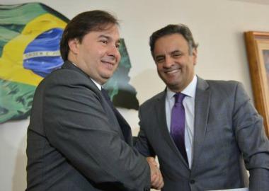 Embora Maia seja do DEM, PSDB é o principal beneficiário de sua eleição, avalia especialista