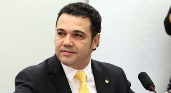 Deputado Marco Feliciano (PSC-SP) é o mais empenhado em derrotar Maia