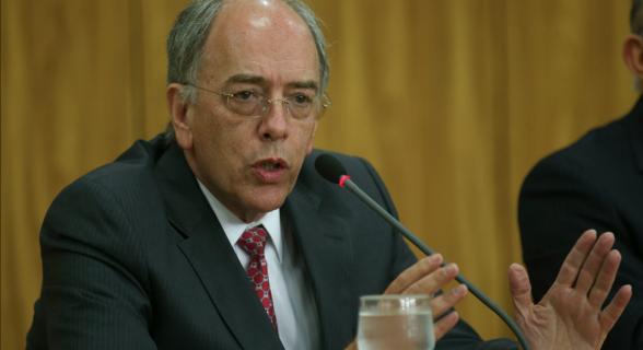 Pedro Parente entregou o cargo a Temer na manhã desta sexta-feira (1º)