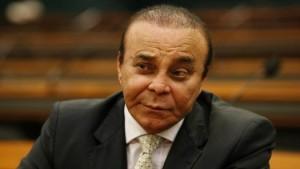 Deputado recebe R$ 200 mil sem ir à Câmara