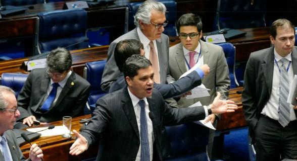 Ferraço é um dos principais críticos do pacote de reajustes patrocinado por Temer