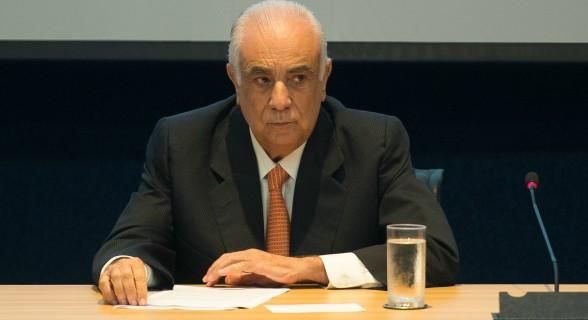 Presidente nacional do partido, Antônio Carlos Rodrigues assina resolução sobre o fechamento de questão