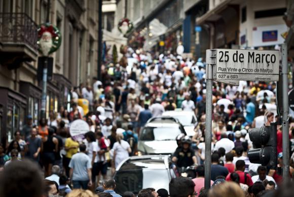 Brasil tem 12 milhões de pessoas desocupadas, segundo IBGE