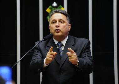 Prisão de figurões da política sinaliza o caminho irreversível, registra Rudolfo Lago