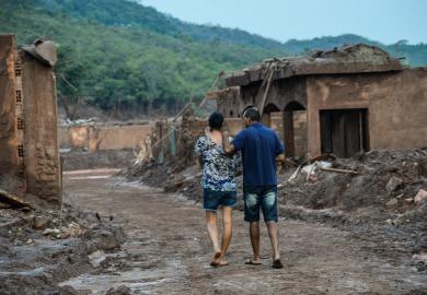 """Judiciário tem de amparar os """"detrimentados"""" de Mariana, diz autor"""