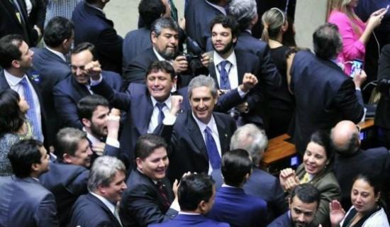 Centrão deu 170 votos a Rosso (ao centro) em julho
