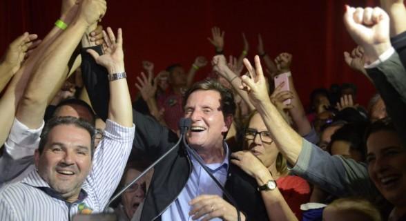 Nem mesmo a vitória no Rio, com Crivella, fez o PRB se livrar da cláusula de barreira. Partido superou 2% dos votos válidos no país, mas não teve a mesma marca em 14 estados