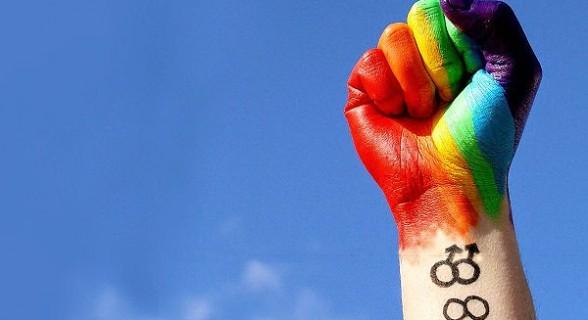 Maioria dos estudantes LGBT se sentem vulneráveis nas escolas do país