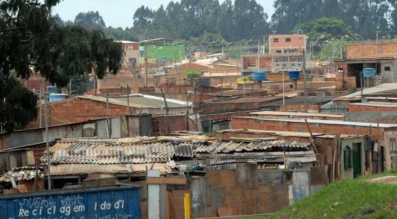 A medida visa desburocratizar regularização de terras