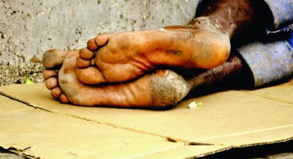 Pesquisa constata que quase metade dos casos de violência contra moradores de rua não são denunciados