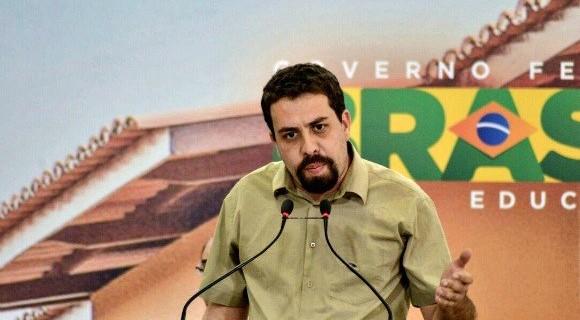 O líder do MTST foi preso na manhã desta terça-feira (17) por desobediência