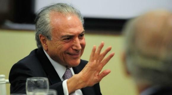 Temer esteve reunido com o deputado Paulinho da Força nesta terça-feira (17)