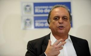 Governador negocia medidas para desafogar estado da crise