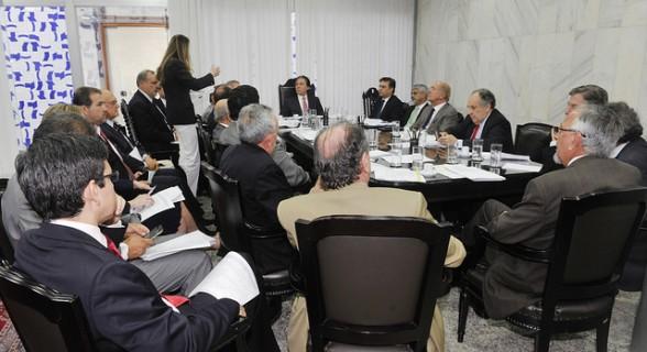 Líderes priorizaram PEC da Vaquejada e PEC da Desburocratização para votações plenárias esta semana