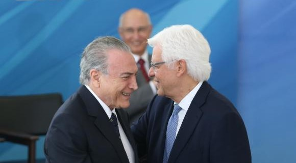 MP editada por Temer cria Secretaria Geral da Presidência da República e garante foro privilegiado a Moreira Franco