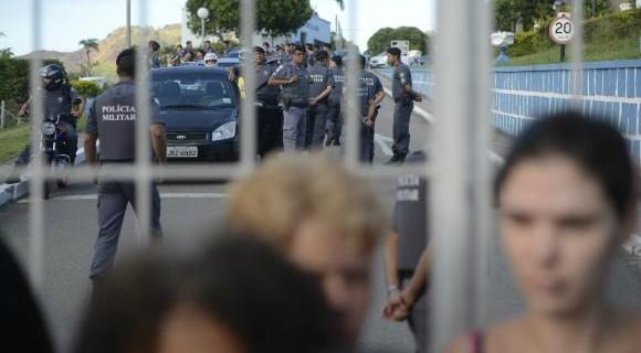 Mesmo sob protestos dos familiares, PMs começam voltam às ruas de Vitória