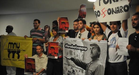 Protesto na Câmara contra Jair Bolsonaro