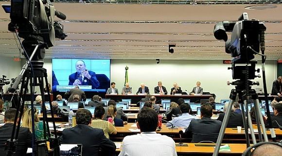 Recuo de Temer desagradou integrantes da comissão da reforma