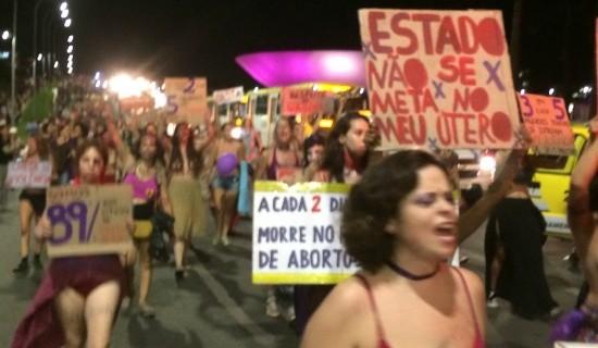 Polêmica ganha força no mês em que se comemora o Dia Internacional da Mulher