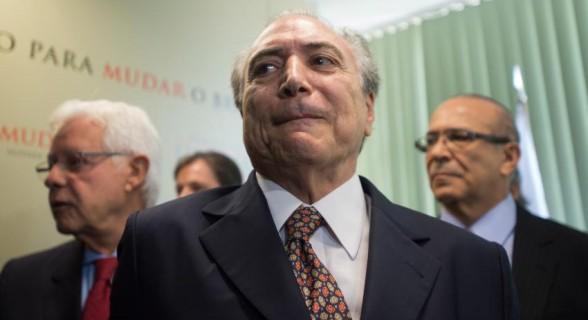 Temer, entre Moreira Franco e Eliseu Padilha: todos na mira da Lava Jato