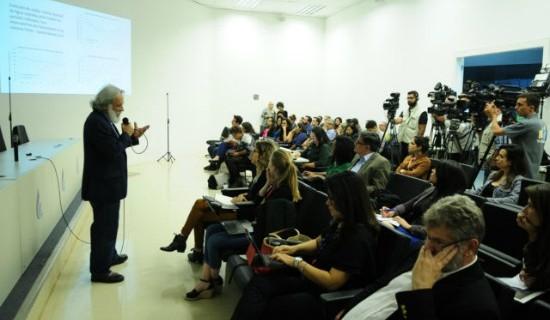 """The Mona Lisa"", diz Paulo Salles, durante coletiva de imprensa"