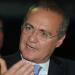 Renan defende suspensão da leitura do relatório e a saída de Temer do governo