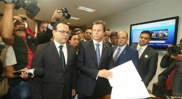 Presidente da OAB Claudio Lamachia protocolou pedido de impeachment de Temer na Secretaria Geral da Mesa da Câmara dos Deputados