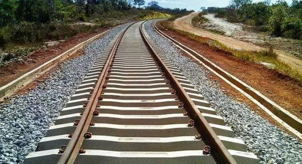 Obras da Ferrovia Norte-Sul começaram no governo Sarney, mas até hoje não foram concluídas