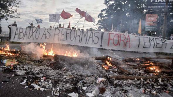 Greve Geral começa com paralisação, protestos e bloqueios em diversas cidades do país