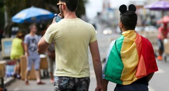 A bancada evangélica derrubou projeto que regulamentava situações de homofobia na capital