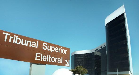 TSE retoma julgamento de pedido de cassação da chapa Dilma-Temer