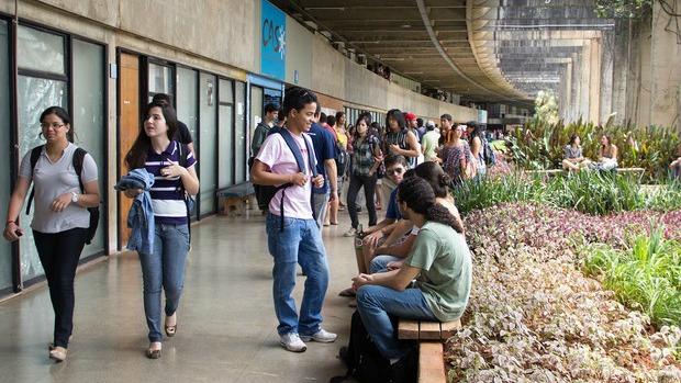 Resultado de imagem para cobrança de mensalidades universidades