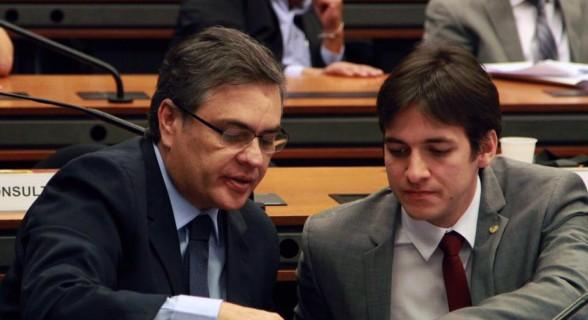 Cássio Cunha Lima e o filho Pedro Cunha Lima: unidos pelo sobrenome e pelo mandato no Congresso
