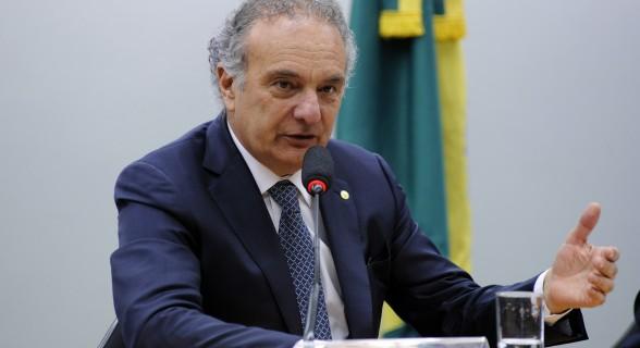 """Líder do PSDB na Câmara, Ricardo Tripoli (SP) defende a entrega dos cargos. """"Agora ficou uma situação esdrúxula."""""""