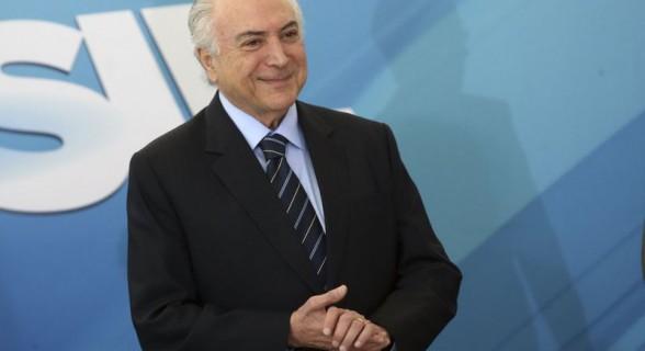 Temer trabalhou durante o recesso para barrar a denúncia apresentada por Rodrigo Janot
