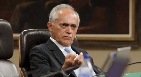 Presidente do Tribunal de Contas da União, Raimundo Carreiro, é um dos acusados de corrupção passiva por favorecer a UTC no processo de Angra 3