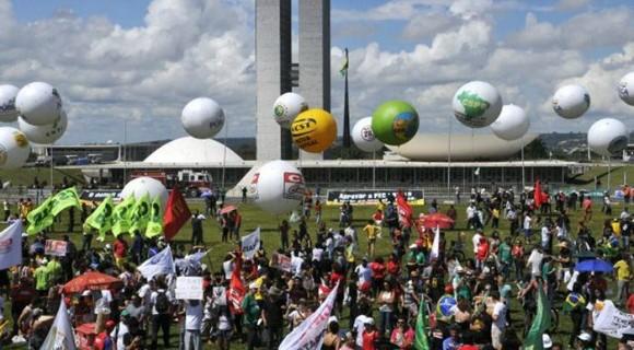 Os atos ocorrerão em várias capitais do país para acompanhar a votação da denúncia contra Temer